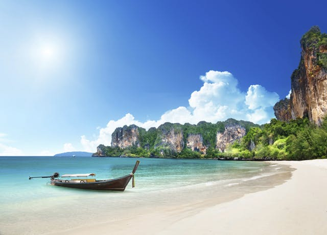Amazing Thailand beach holiday with Phi Phi Islands