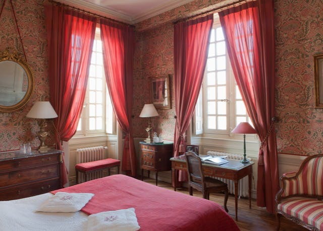 Elegant 17th-century château stay near Paris | Save up to 60
