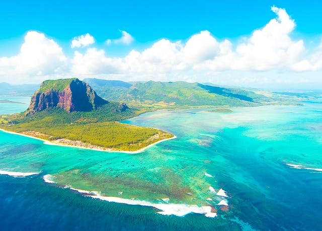 Dreamy South Africa & all-inclusive Mauritius getaway with