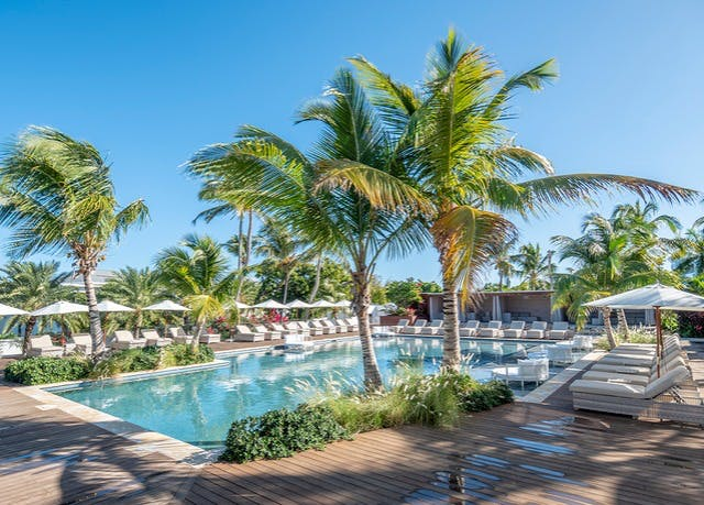 Luxe Antigua beach holiday with oceanfront digs | Save up to